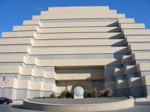 Ziggurat_Building